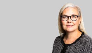 Maureen Quinlan Headshot